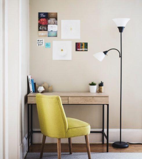 Table Chair Desk Lamp Room Carpet  - karishea / Pixabay
