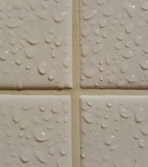 Tiles Tiled Wet Bathroom  - Brett_Hondow / Pixabay