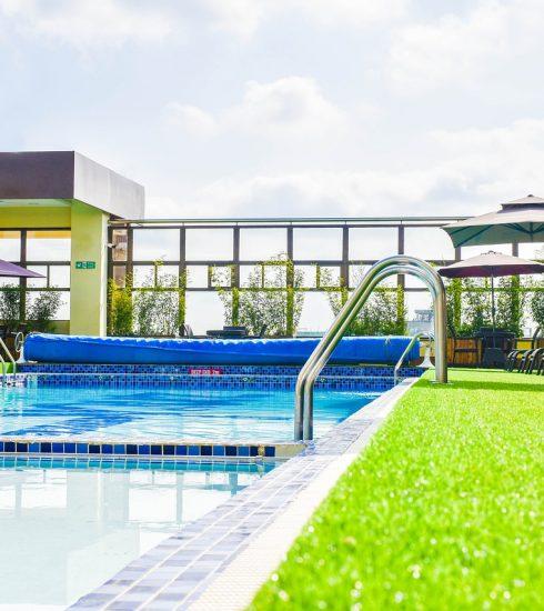 Swimming Pool Pool Resort  - bikonaya / Pixabay