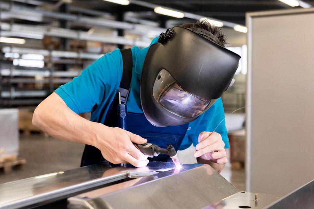 Welding Work Hard Hat - greenlightvision_ch / Pixabay