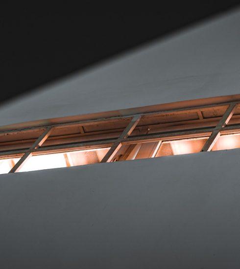 Window Frame Triangle Photo  - Teddyphoto / Pixabay